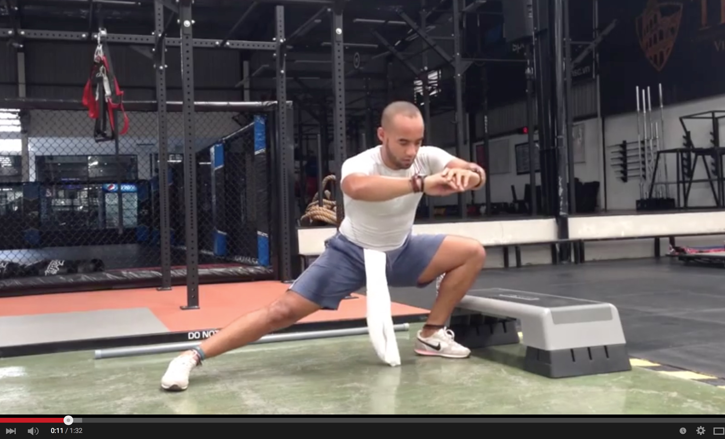 Hip mobility circuit for better squats and healthier hips