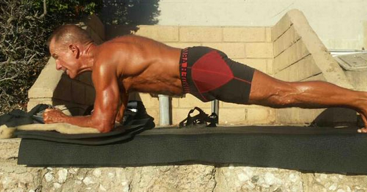 Video: Build some Abs & a solid trunk